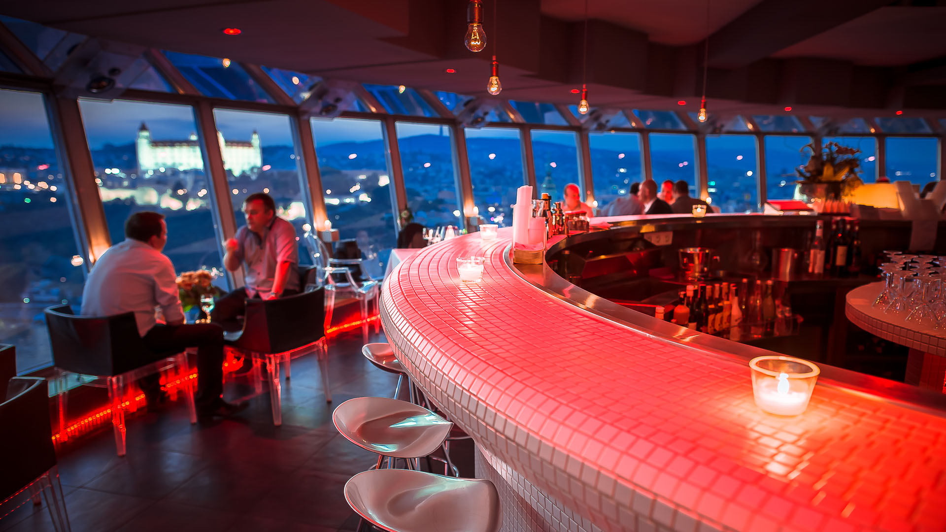 observation of diner Restaurants near 360 chicago observation deck, chicago on tripadvisor: find traveler reviews and candid photos of dining near 360 chicago observation deck in chicago, illinois.